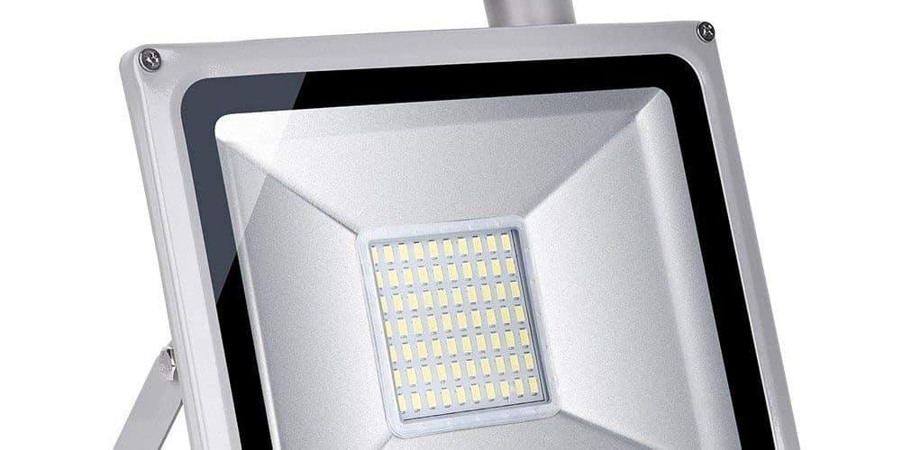 89f65882995e17 Meilleur projecteur LED avec détecteur   Le comparatif d Adonautes 2019